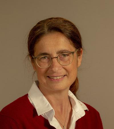 Finotti Elisabeth, Mag.